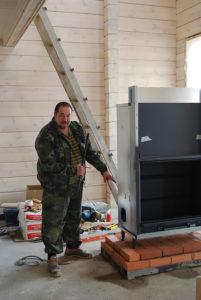 Сергей Зюкин за работой